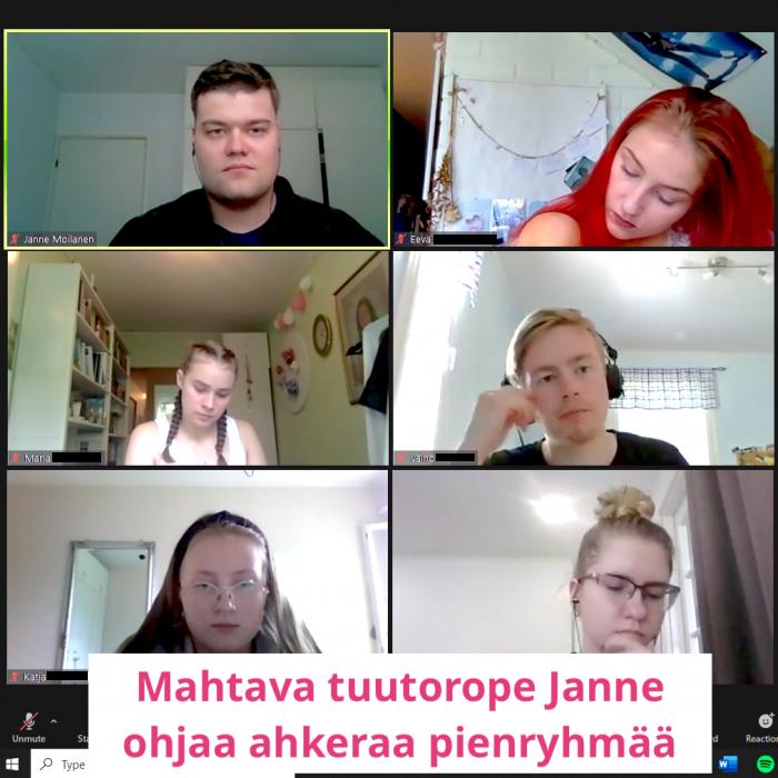 Mahtava tuutorope Janne ohjaa ahkeraa pienryhmää.